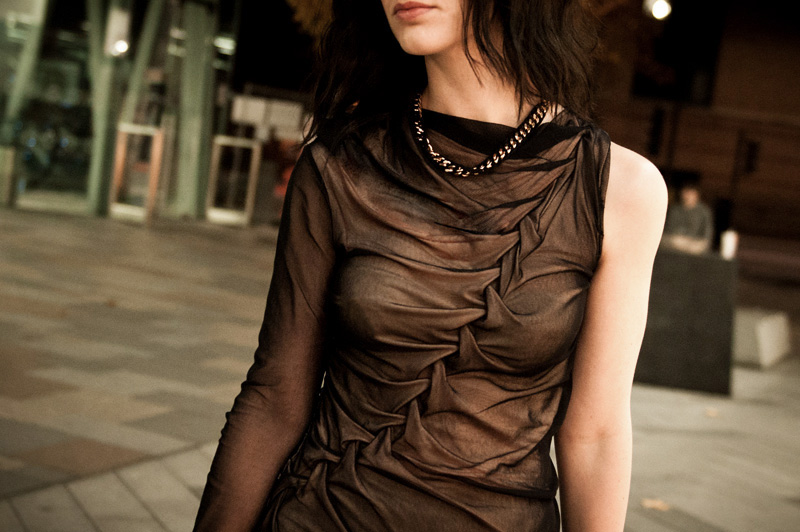 FAIIINT, Outfit, Fashion, Blogger, Dress, DIY, Handmade, Plaited, Twisted, Rouched, Gathered, Draped, Asymmetric, Nude, Black, Mesh, Silk, Jersey, Ligia Dias, Necklace, Detail, Close Up