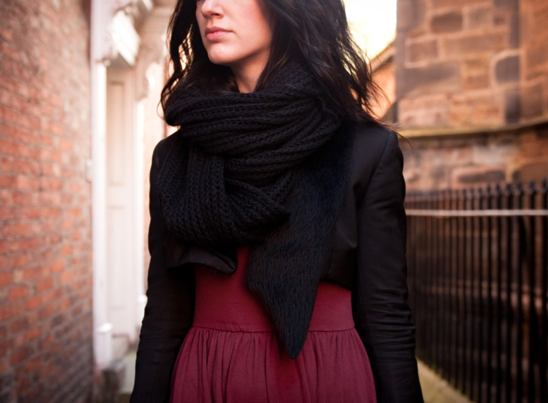 FAIIINT, Outfit, Snood, Knitted, ASOS, Dress, Jersey, Midi, Oxblood, Burgundy, Red, Black, Todd Lynn, Topshop, Faux, Fur, Tux, Jacket, Tuxedo, Blazer, Cropped, Detail, Close Up