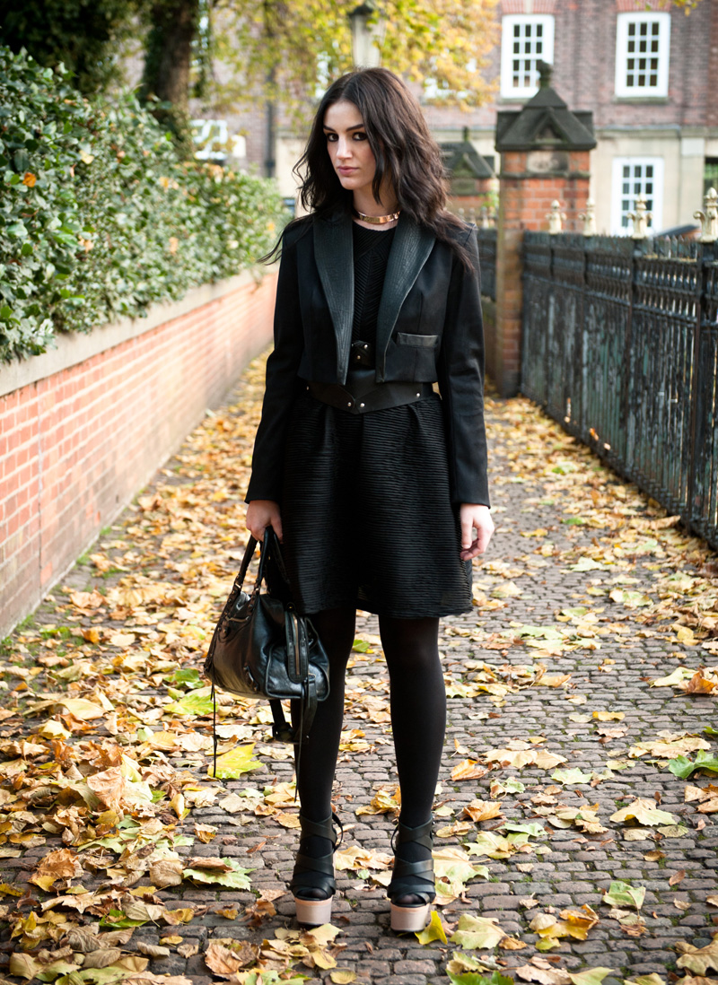 FAIIINT, Outfit, Jacket, Cropped, Blazer, Leather, Lapel, Collar, Topshop, Dress, Pleated, Textured, Structured, COS, Belt, Balenciaga City, Wedges, Strappy, Platform, Nude, Black, All Black, Autumn, Leaves, Fashion,