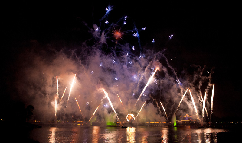 Epcot, Disneyland, Disney, Walt Disney, Florida, Disney World, Disney World, World Showcase, Lagoon, Lake, Fireworks, IllumiNations: Reflections of Earth,