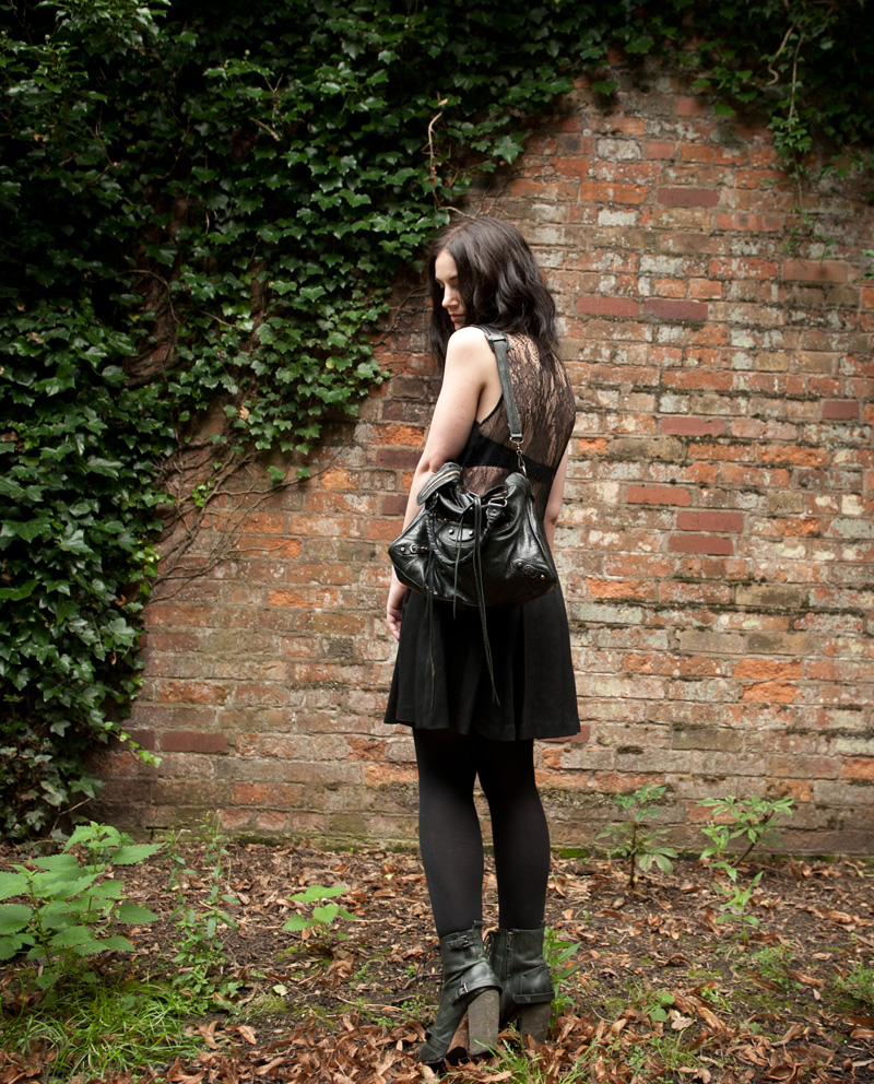 FAIIINT, Outift, Black, Lace, Three Floor, Cut Out, Lace Back, Shirt, Dress, Military, Button, Pockets, Pleated, Balenciaga, City, Bag, Topshop, Boots, Lion Claw, Necklace, Pendant, Gothic, Creepy, WIWT, OOTD