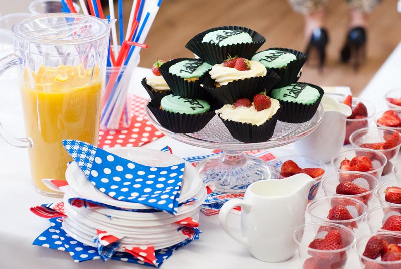 FAIIINT Zatchels factory shop opening Leicester, Cupcakes from Bitsy's Cupcakery, strawberries & cream, fresh orange juice, British summer food