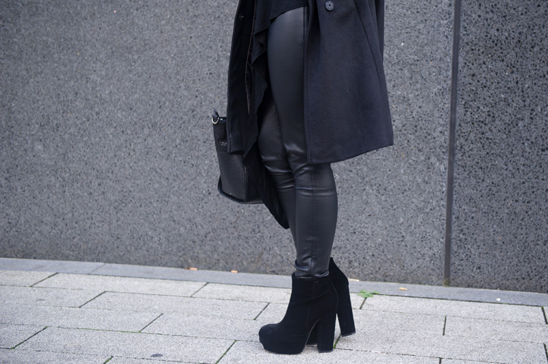 Fashion blogger Stephanie of FAIIINT wearing Next faux leather & wool black coat & leather leggings, Stylistpick velvet eleonora boots.