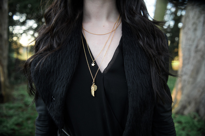 FAIIINT wearing Cinderela B Layered Necklace Charms Trinkets Gold Feather Coin Star, outfit detail