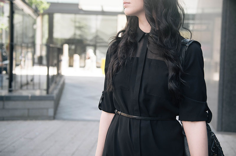 Fashion blogger Stephanie of FAIIINT wearing Dorothy Perkins Military shirt dress with chiffon panel, ASOS Belt. All black outfit goth street style.