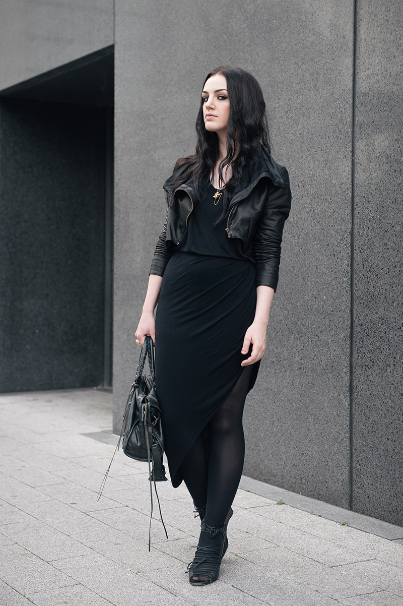 Fashion blogger Stephanie of FAIIINT wearing FAIIINT cropped leather jacket, Helmut Lang tee, River Island skirt, Kasun vampire heart necklace & claw ring, Skin by Finsk wedges, Balenciaga city. Casual goth dark all black street style.