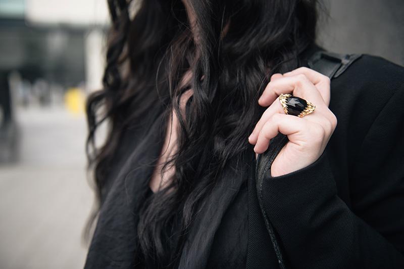 FAIIINT Kasun London gold & black onxy vampire bite statement ring