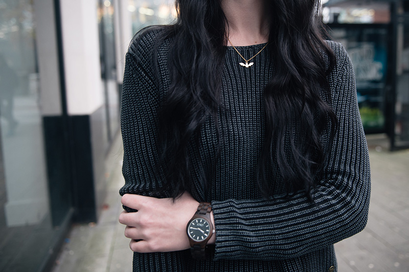 Fashion blogger Stephanie of FAIIINT wearing Yumi ribbed knit grey jumper, Jord wood watch, Phoebe Jewellery little gold bat necklace. details.
