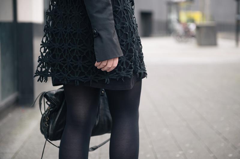 Fashion blogger Stephanie of FAIIINT wearing Seafolly crochet daisy kaftan via Beach Cafe