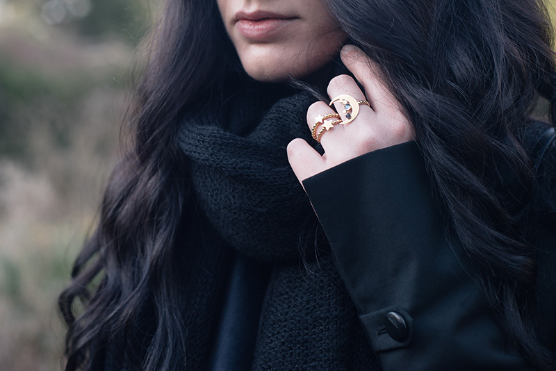Fashion blogger Stephanie of FAIIINT wearing ASOS oversized knit scarf, Phoebe Jewellery gold & silver moonstone moon & star double ring and star stacking ring.