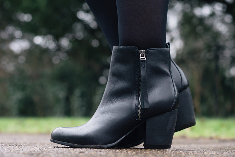 Fashion blogger Stephanie of FAIIINT wearing F&F at Tesco black leather zip ankle boots.