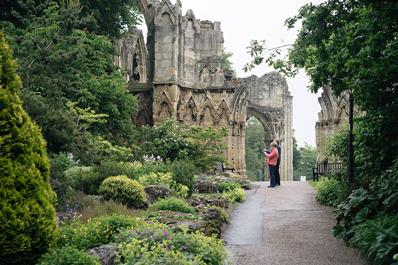 FAIIINT York weekend break. Yorkshire Museum botanical gardens & ruins of St. Mary's Abbey.