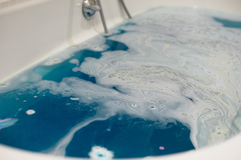 FAIIINT blogger Montagu Place Marylebone London Boutique Hotel. Lush Intergalactic bath bomb.