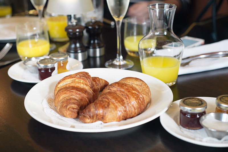 FAIIINT Hutchesons Glasgow Bubble & Brunch. Croissants, orange juice and prosecco.