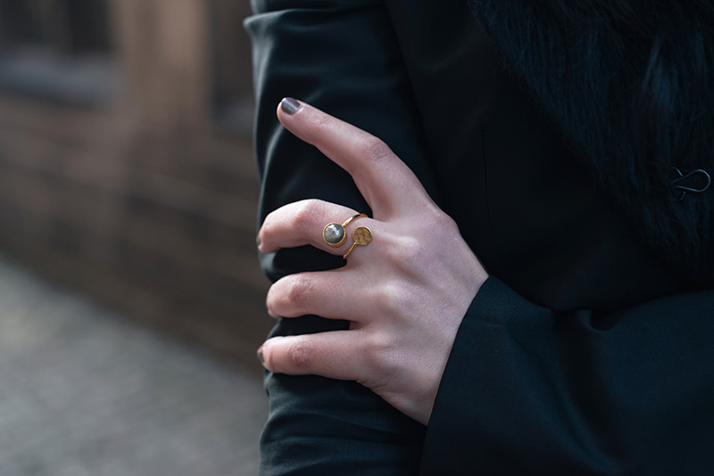 Fashion blogger Stephanie of FAIIINT wearing Ottoman Hands circle labradorite gold ring. Outfit details.