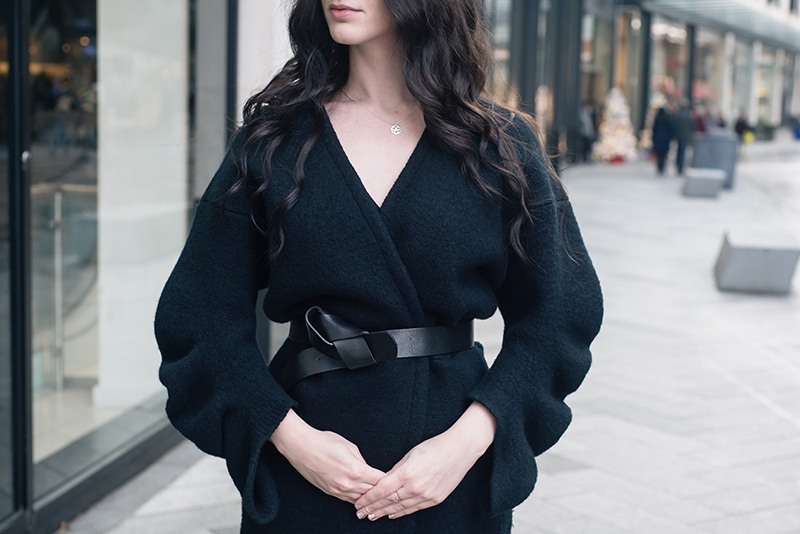 Fashion blogger Stephanie of FAIIINT wearing Stella McCartney felt kimono jacket, H&M knot belt, Jessica Flinn silver stars necklace. All black everything dark style outfit details.