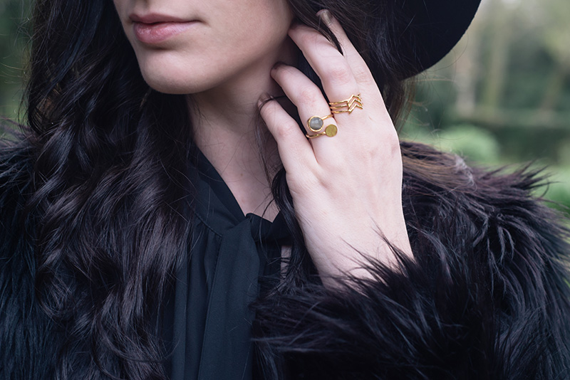 FAIIINT wearing Ottoman Hands labradorite gold ring and Gorjana arrow ring. Outfit details.
