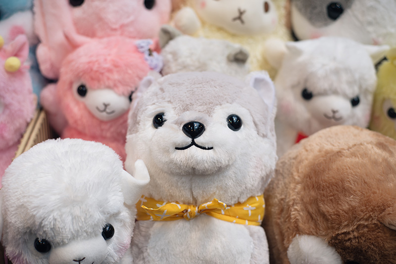 Hyper Japan Christmas Market 2015 at Tobacco Dock London. Tofu Cute siberian husky and alpacasso plushes.