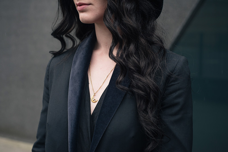 Fashion blogger Stephanie of FAIIINT wearing Phoebe Jewellery moonstone moon gold necklace. Outfit details.