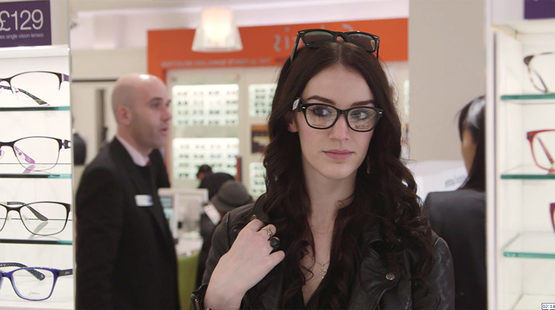 Fashion blogger Stephanie of FAIIINT choosing Vision Express glasses frames