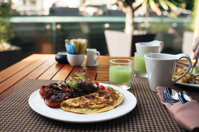Anantara Sathorn Bangkok hotel Thailand breakfast beside the pool.