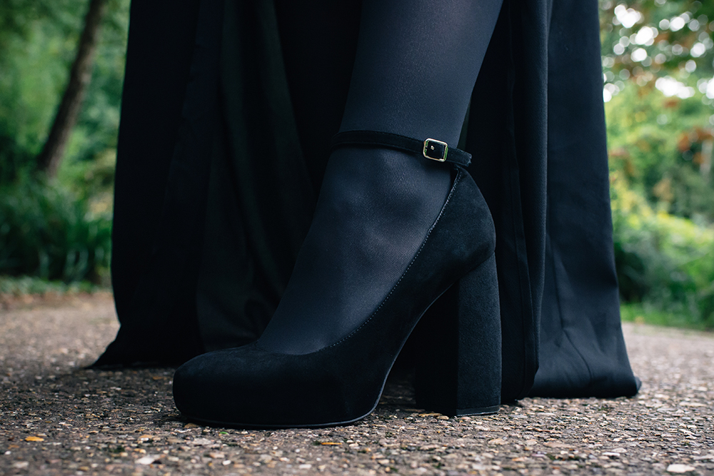 Fashion blogger Stephanie of FAIIINT wearing Jeffrey Campbell Phair black suede heels. Outfit details.