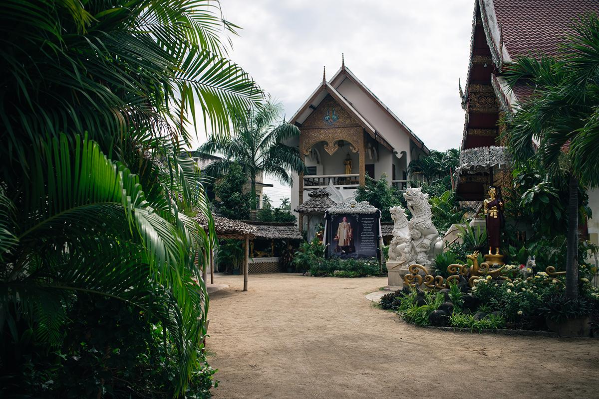 Chiang Mai Thailand streets Wat Mahawan Chetawan temple