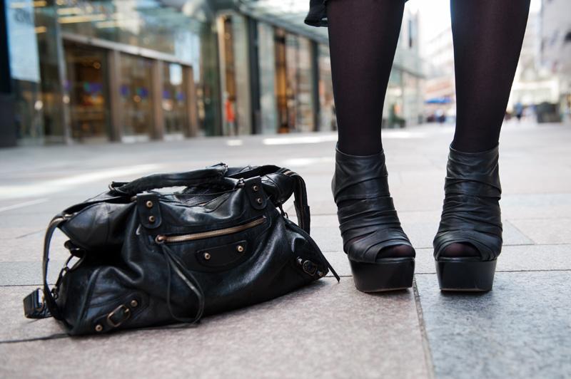 Fashion blogger FAIIINT wearing Topshop Boutique bandage leather platform wedges, balenciaga city bag.