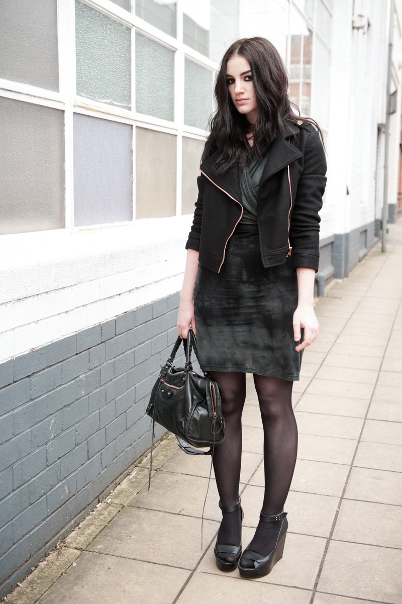 FAIIINT, Outfit, Minkpink, MeeMee, Wool, Biker, Jacket, Gestuz, Draped, Wrapped, Tie Dye, Dress, Skin by Finsk, Sandals, Wedges, Balenciaga City, Casual, Street Style