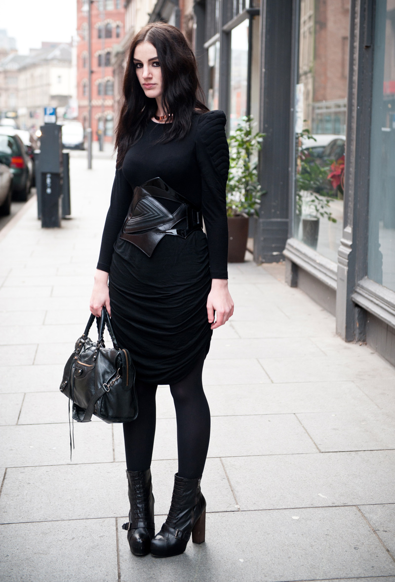 FAIIINT, Outfit, ASOS, Padded, Shoulder, Quilted, Tee, Top, Bracher Emden, Jean Pierre Braganza, Belt, Religion, Draped, Skirt, Topshop, Boutique, Boots, H&M, Choker, Cuff, Balenciaga, City, Street Style, Fashion, Blogger, Sci Fi, Futuristic, Goth, Black, Black on Black, Layering, Leather,