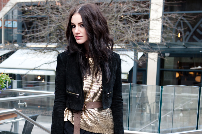 FAIIINT, Outfit, Black, Gold, Brown, Metallic, Knit, Chunky, Sweater, Jumper, Boohoo, Boohoo.com, Topshop, Jacket, Suede, Cropped, Leather, Allsaints, Draped, Dress, Lace Up, Boots, Balenciaga, City, Bag, Fashion, Blogger, Street Style,