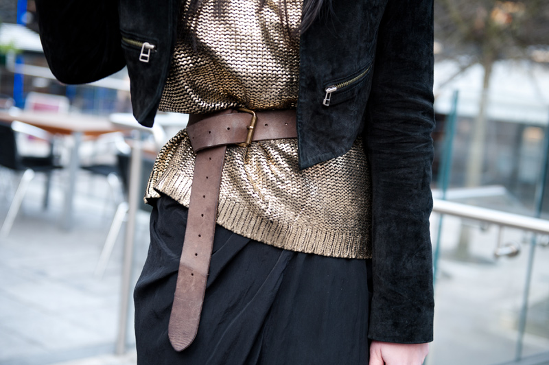 FAIIINT, Outfit, Black, Gold, Brown, Metallic, Knit, Chunky, Sweater, Jumper, Boohoo, Boohoo.com, Topshop, Jacket, Suede, Cropped, Leather, Belted, Cinched, Belt, Detail,
