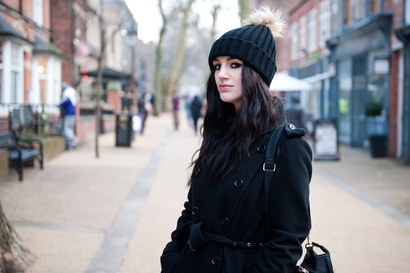 FAIIINT, Outfit, Street Style, Blogger, Fashion, Beanie, Fur, Pom Pom, Nelly, Nelly.com, Topshop, Wool, Trench Coat, Knit, Cold, Winter, Autumn,