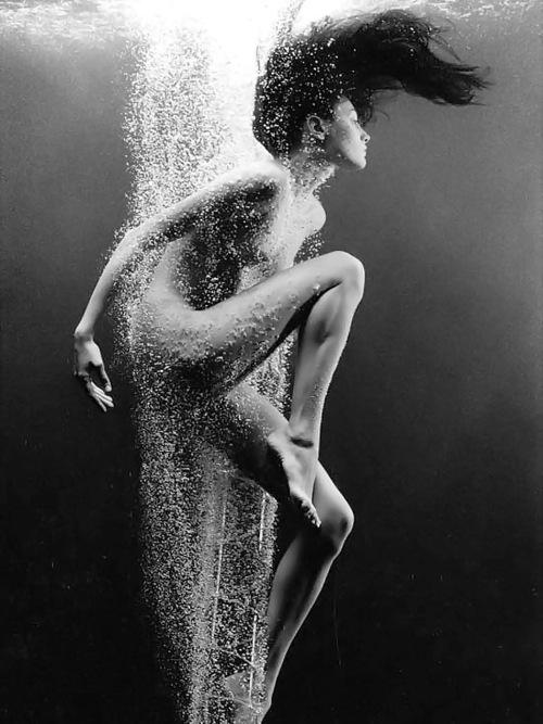 Water, Underwater, Fashion, Model, Editorial, Nude, Black & White